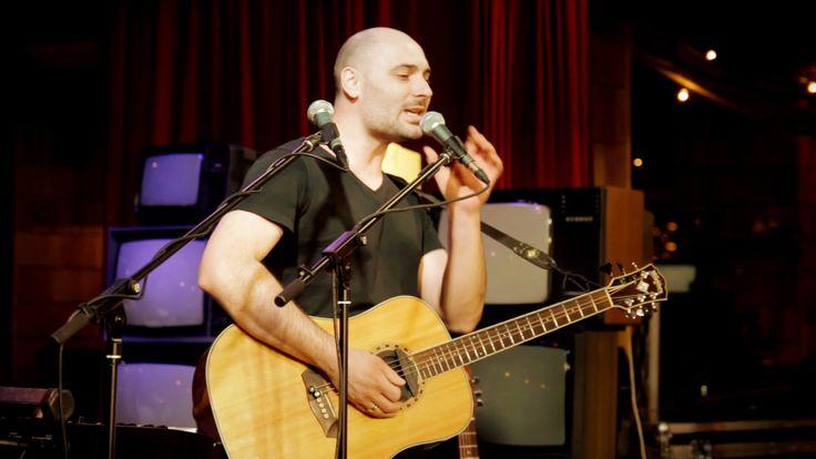Евгений впервые показал телезрителям технику Live-Loop с использованием не только голоса, но еще и инструментов. Live-Loop — это модное направление, широко известное в Европе и уникальное в России.