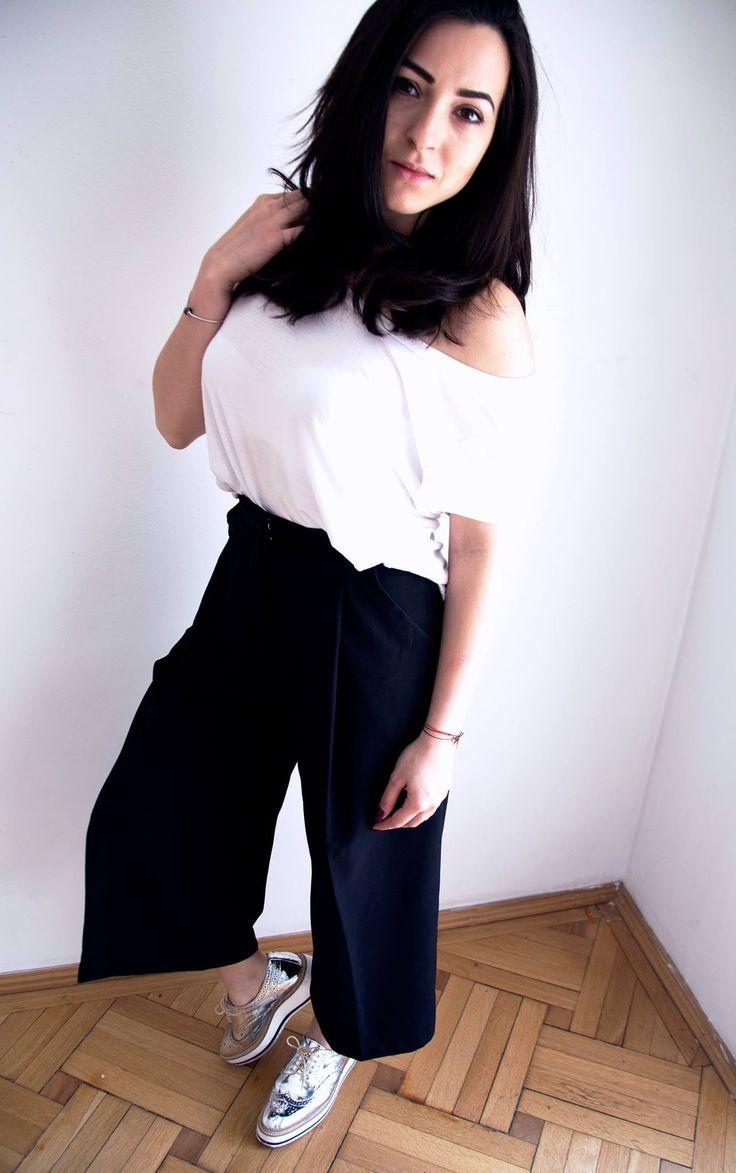 http://leti.ro/en/pantaloni-culottes-chiar-si-pentru-mignone/