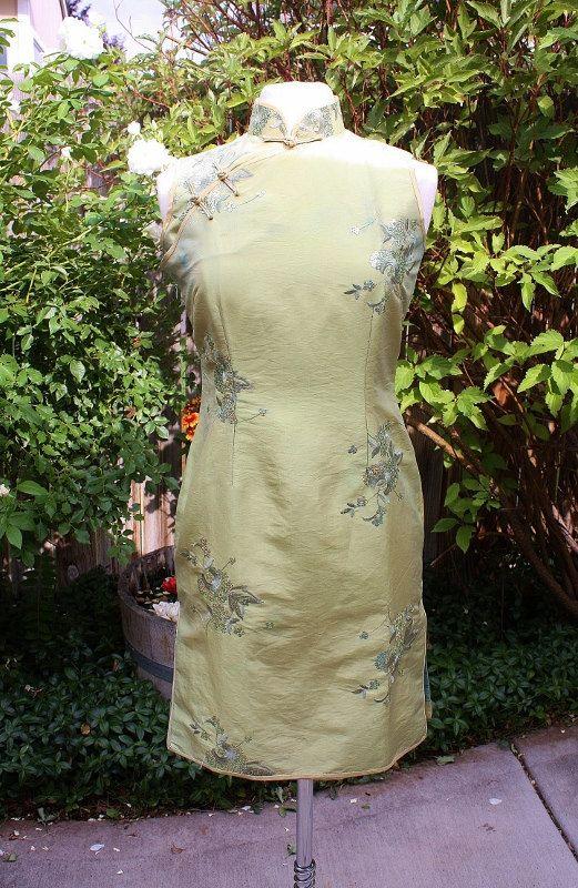 jaren negentig licht groene Aziatische Wiggle jurk door Retromomo