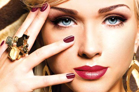 Królowa balu powinna być skromna - może ta wersja pasuje właśnie do Ciebie? #makeup #party