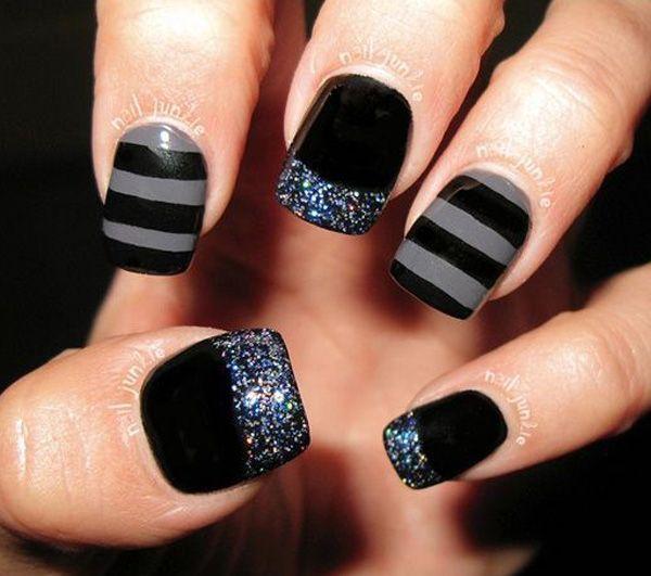 Zwart en grijs nail art combinatie.  De beste combinatie die je kunt schilderen op in gestreepte ontwerp en je kunt zelfs zilveren glitter toe te voegen als de Franse tips voor het effect.