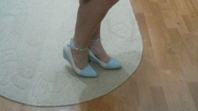 Tienda Online Zapatos de Las Mujeres Bombas de Punta estrecha Correa del Tobillo de Los Altos Talones Cuñas de Otoño Zapatos Azules de Las Señoras Grandes del Tamaño 40 41 BB6-0B | Aliexpress móvil