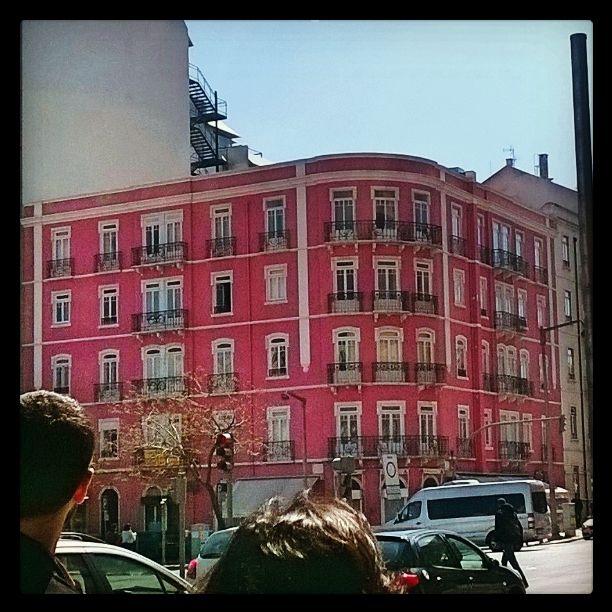 Pink Building.. Avenida 5 de Outubro