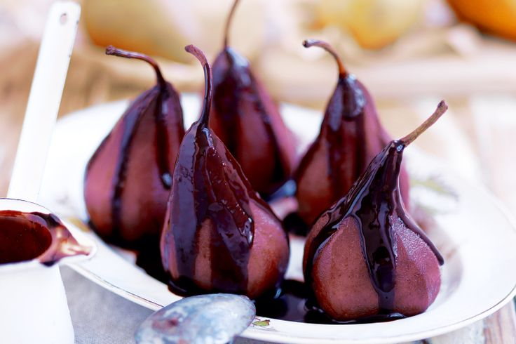 Instead of troubling yourself making the chocolate sauce, simply drizzle chocolate balsamic over these!  Yum!
