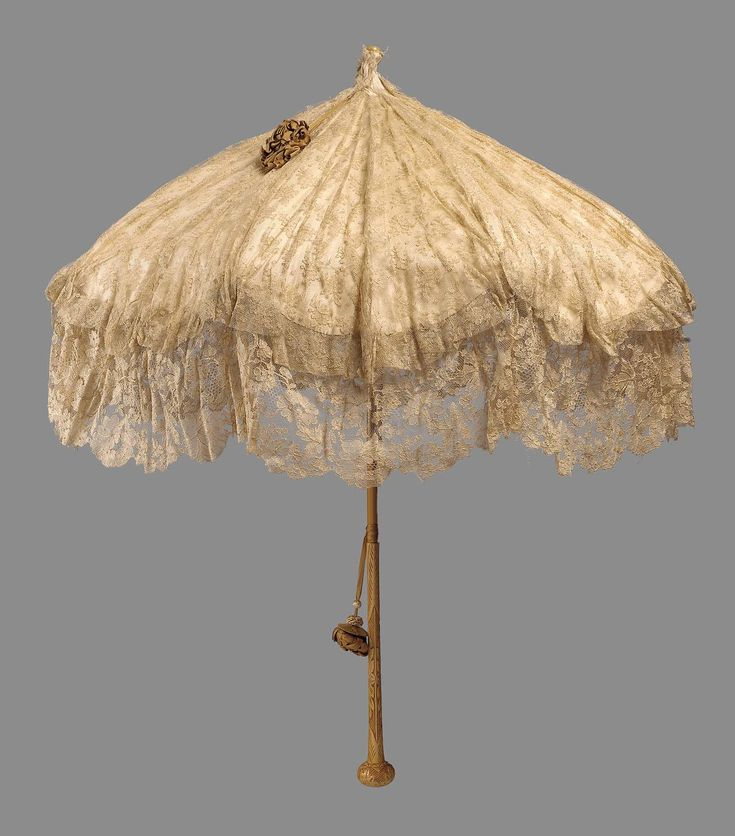 Parasol, 1900, made of lace.