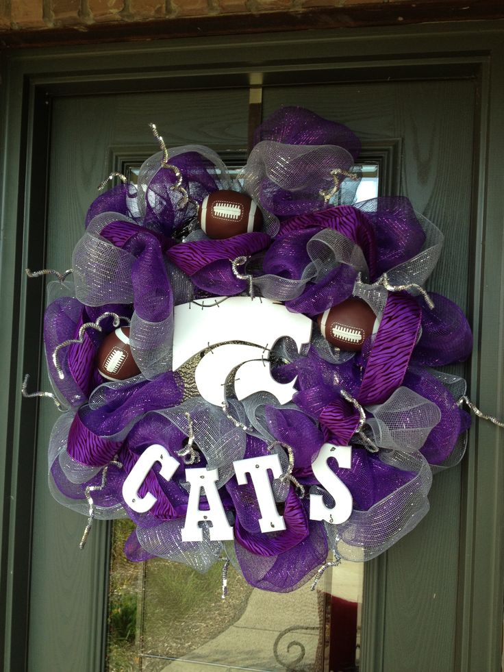 K-State wreath! Football season IS coming up!
