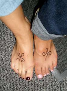 Best Friend Tattoo!!  @Shaeley Blair We should do this! It would be an updated version of all of those best friend necklaces and bracelets we had back in the day!! bahahahahahahaha