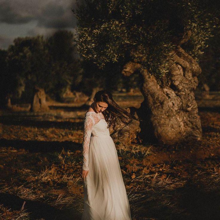 #weddingatmosphere #weddingday #weddingdress #weddingphotography #weddingphotographers #junebugweddings #vsco #mediterraneanphoto #mediterraneanphotography #weddinginitaly #weddinginapulia #mood #fujifilm #xt2