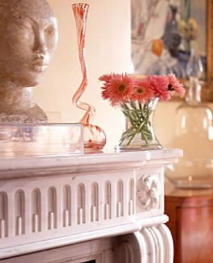 Drawing Room Mantelshelf with decorative objects.