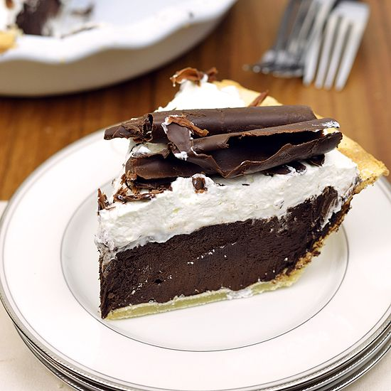 Dairy Free & Gluten Free Chocolate Silk Pie - http://LivingnNaturaler.com/dairy-free-gluten-free-chocolate-silk-pie/