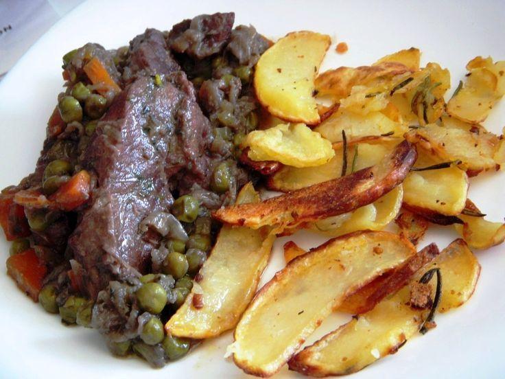 Estofado de ternera con guisantes y patatas - Spezzatino di girello con piselli e patate al forno - Beef stew with carrots peas and potatoes