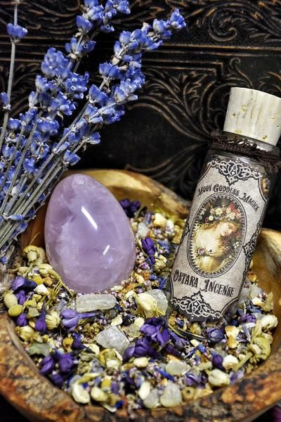 Magick of Spring with this divine blend of Jasmine, Orange Peel, Cyani Flower, Chamomile, Heather, Elder Flower, Honeysuckle, Lilac Flowers and Copal~ Blessed with a small Amethyst crystal chip in the Bottle ~ The Wheel turns once more upon Ostara, a fertility festival celebrating Rebirth and the continual flow of New life~ At the moment of the Vernal Equinox, night and day stand in perfect balance. The life giving force of the Sun has returned with its promise of new life and the...