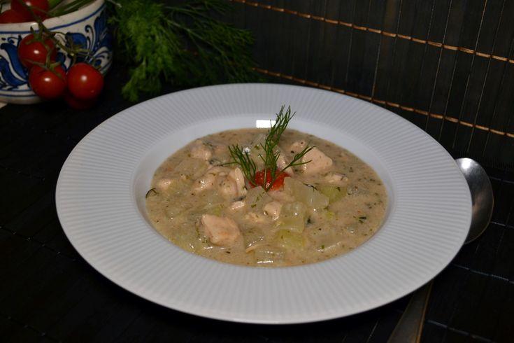 Karalábé főzelék csirkemellel