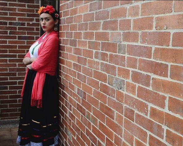 Frida Kahlo Costume! #fridakahlo #fridakahloinspired #fridakahlostyle #fridacostume #fridakahlomakeup #halloweenideas