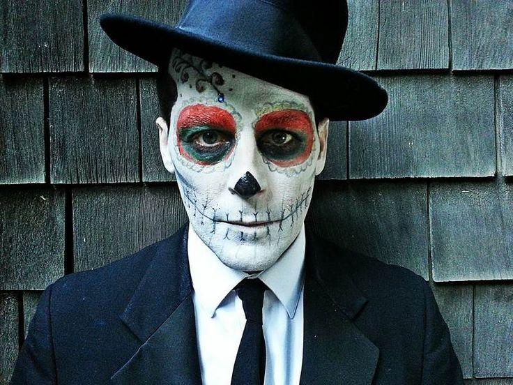 Halloween Schminke für Männer - Totenkopf selber malen