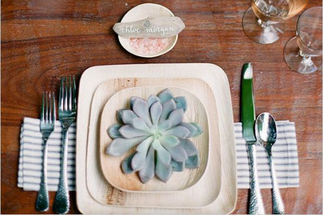 GREAT ARTICLE ON SUSTAINABLE DINNERWARE...  Stylishly Sustainable Dinnerware For Your Wedding - Fab You Bliss