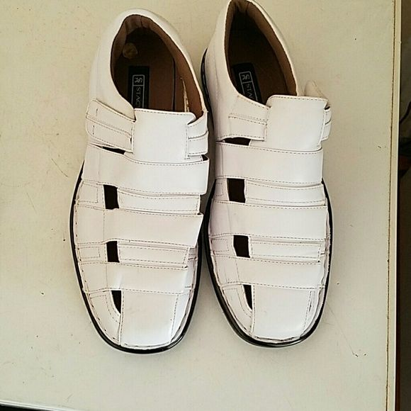 Men's summer shoe Size 8 Stacy Adams white sandals worn once. Like new. Perfect for spring and summer ALSO HAVE SAME SHOE IN SIZE 12. PLEASE COMMENT BELOW IF INTERESTED IN SIZE 12. Stacy Adams  Shoes Espadrilles