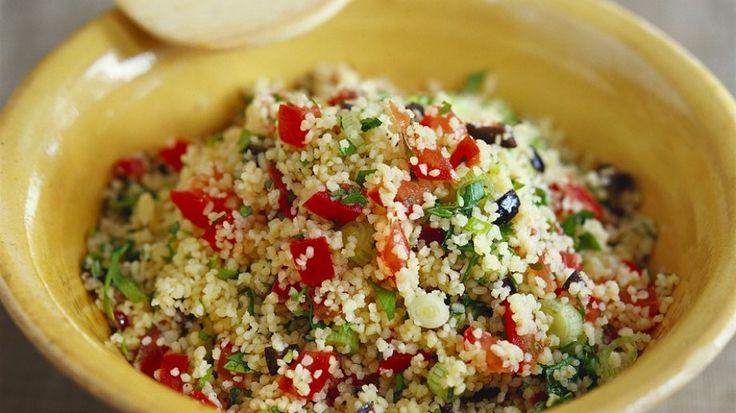 die besten 25 couscous salat rezept ideen auf pinterest couscous salat couscous salat vegan. Black Bedroom Furniture Sets. Home Design Ideas