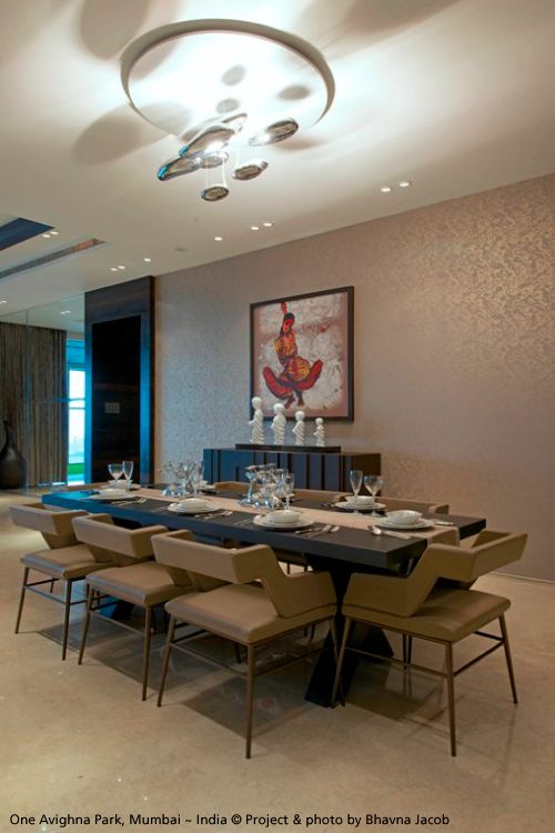 The #Mercury ceiling is always a nice luminaire over a dining table ! #design Ross Lovegrove