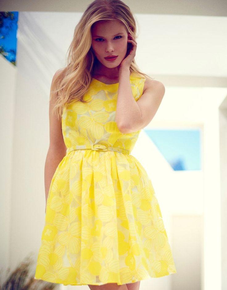 Yumi Bright Lace Jacquard Dress