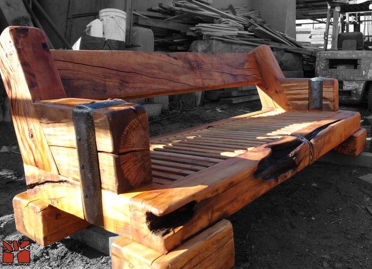 Nativo Redwood. Sillón triple de roble rústico con aplicaciones de fierro forjado. Dimensiones: 1.00x2.00