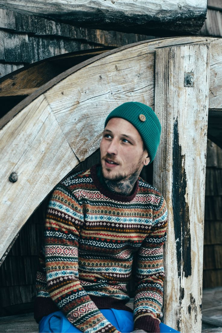 Winter Outfit for Men. Merino Wool Beanie Look. Green beanie and Cardigan. Ecological and Ethical Beanies by VAI-KØ.
