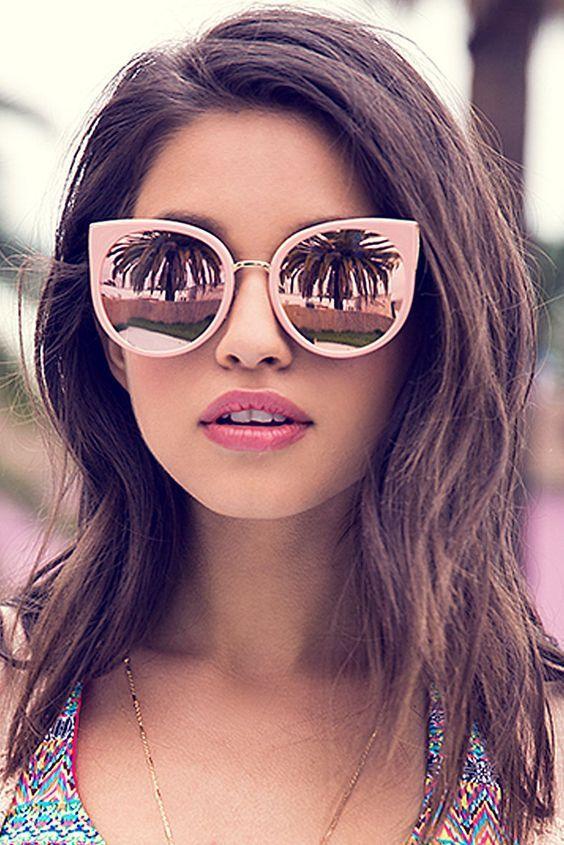 d5384b676203 Moda occhiali da sole 2018: i modelli più in voga per l'estate ...