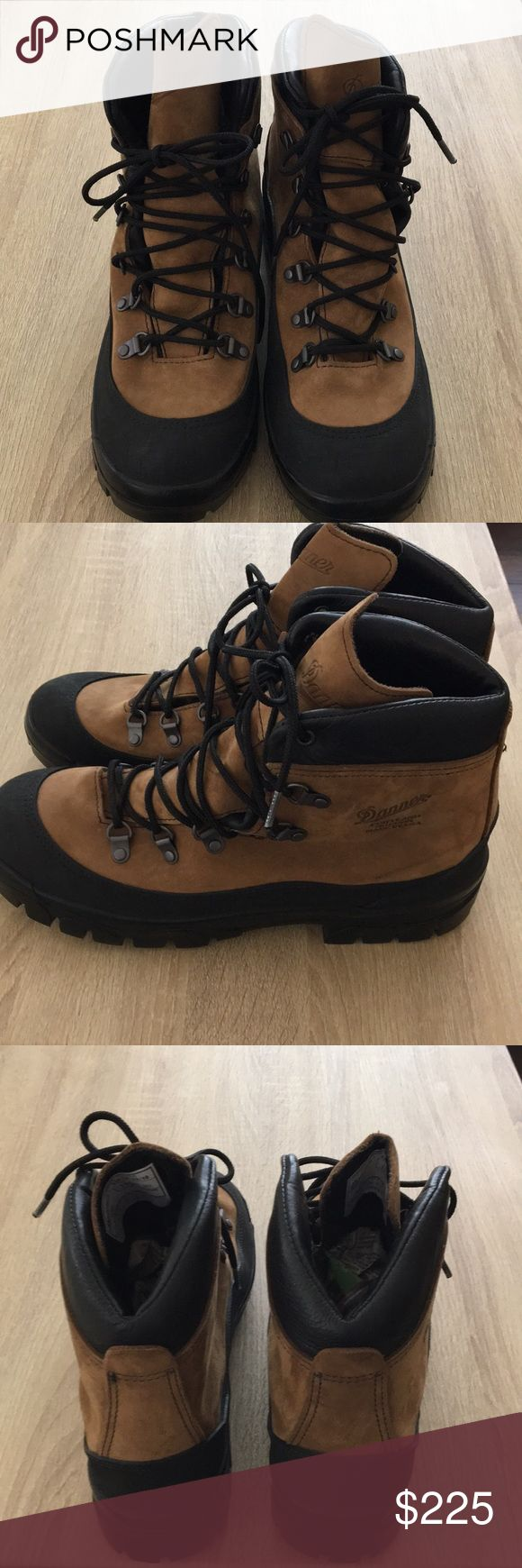 Danner Combat Hiker work boots. Brand new work boots. Danner Shoes