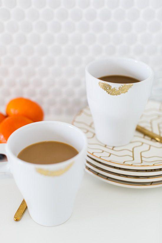 DIY gold lip print mug