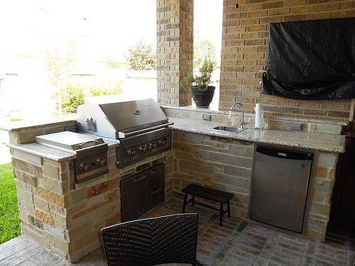 Small corner outdoor grill