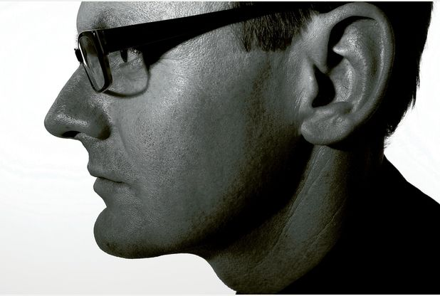 Hull Comedy Festival: Sean Lock on his 'digital bog wall' and purple van man | Hull Daily Mail