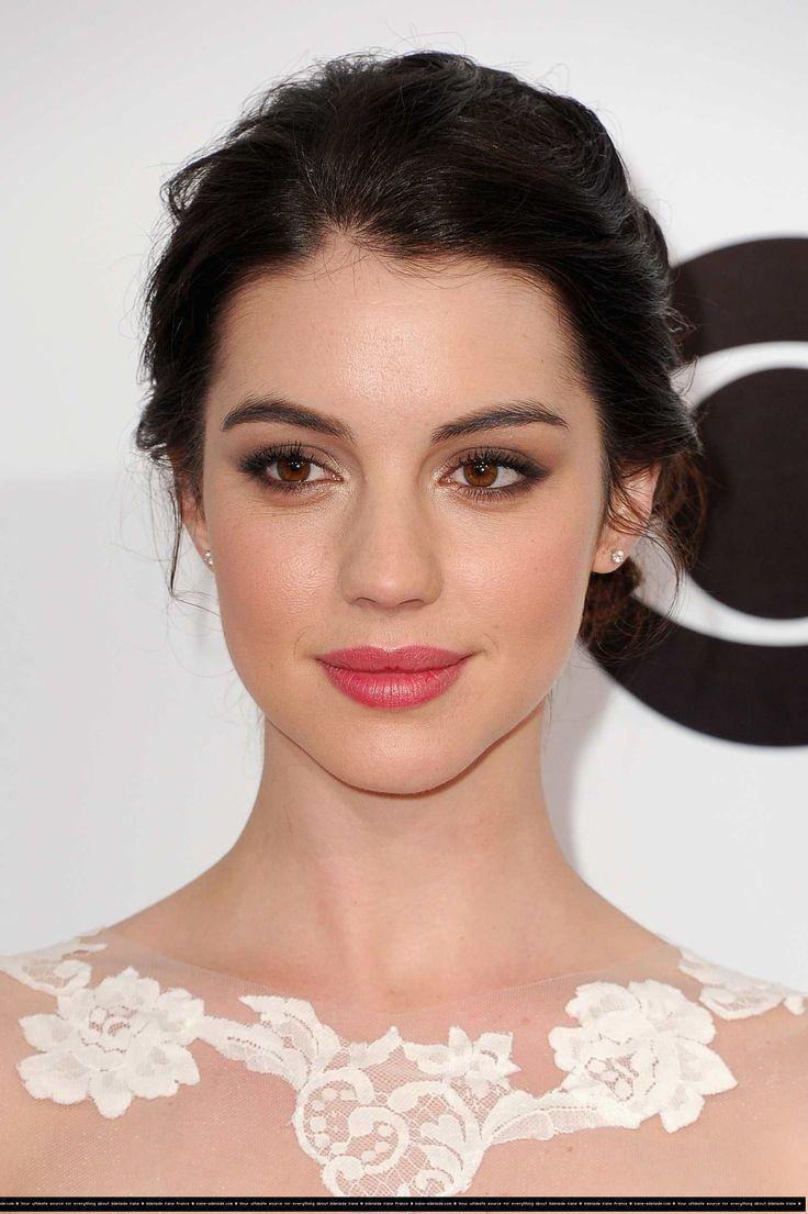 Adelaide Kane lips