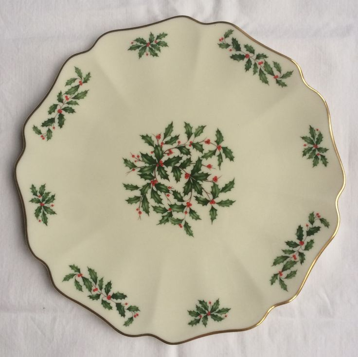 Lenox Christmas China Holiday Scalloped Edge 11 Round Serving Plate New w o Box & 88 best Lenox Holiday China images on Pinterest   Board Cutlery and ...