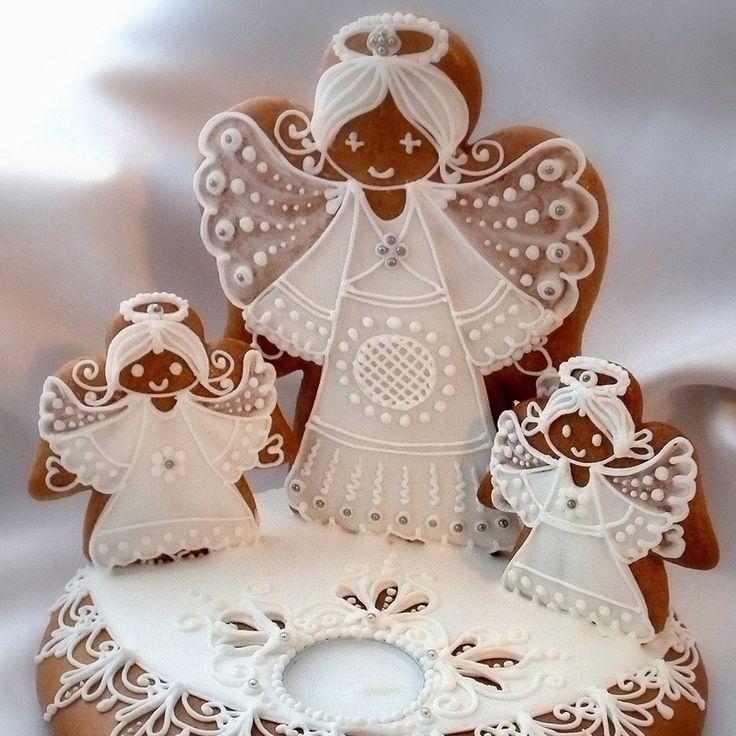 Angyalkás mézeskalács karácsonyi asztali dísz.