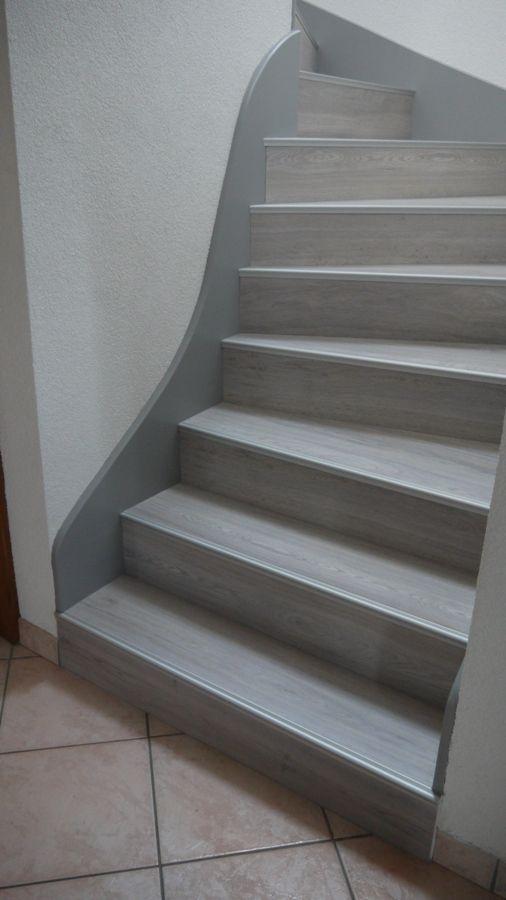 Les 25 meilleures id es de la cat gorie habillage escalier sur pinterest escaliers metal - Escalier gris et blanc ...
