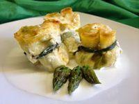 architettando in cucina: Fagottini di crêpes con ripieno di asparagi e salsa al Parmigiano