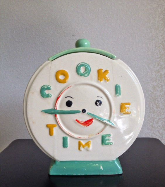 "RARE  ""Cookie Time"" Clock Cookie Jar!! NR!!"