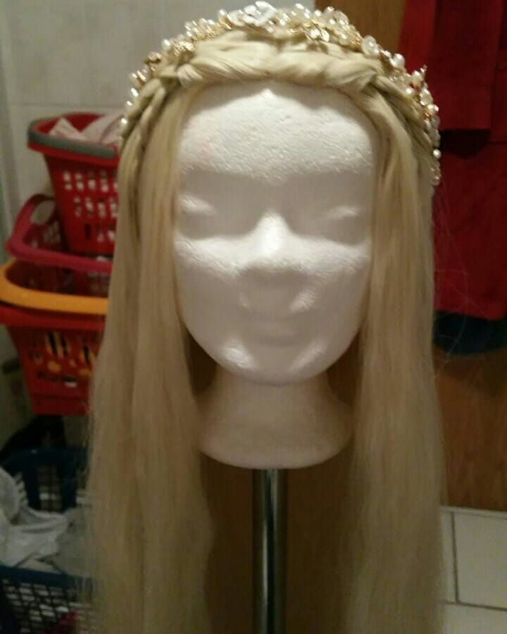 The 5 hours of work on this Wig were worth it! After three attempts I am finally satisfied with the result  My ready-made Wig for my Young Frigga Cosplay! Photoshooting for this cosplay will be available soon  In addition I will probably also be there on LBM Friday and also as Young Frigga!  This will soon start work on my Princess Lea Cosplay! #cosplay #cosplaygirl #lbm #lbm2018 #marvel #marvelcosplay #marvelsthor #asgarad #frigga #allmother #odin #allmother #friggacosplay #youngfrigga…