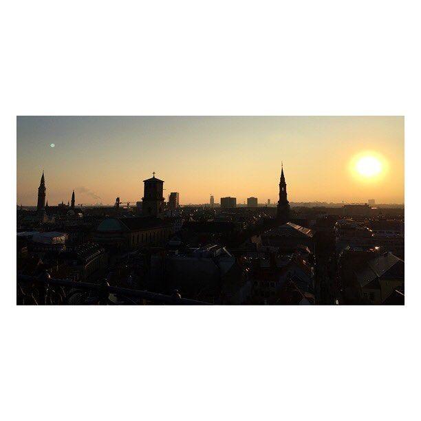 #sunset #nofilter #copenhagen #skyporn #amazing #view #skyline #sun #beauty #love #travel #instagood #instamoment #iphonephoto #photooftheday #landscape #landscapephotography #city #igerscopenhagen #travelgram