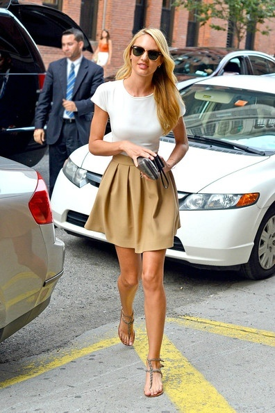 skirt & tee: Summer Style, Candice Swanepoel, Simple, Schools Outfits, Classic Colors, Currently, Skater Skirts, Beige Skirts, Cute Skirts