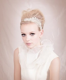 Gorgous up-do with accesories from bando.com #weddings #bodas