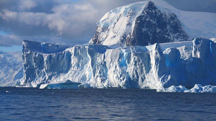 Falaise de glace en Géorgie du Sud - croisière en Antarctique