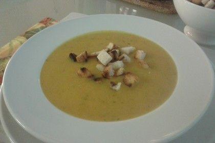 Kartoffel-Kürbis-Suppe mit Croutons
