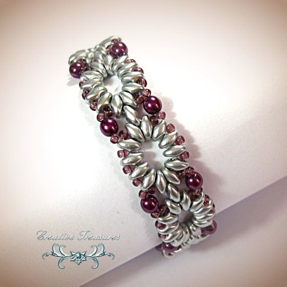 Oval Chain Beadwork Bracelet with Super Duo Beads in Silver Tone with Purple Pearls