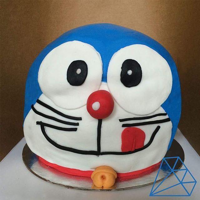 25+ best ideas about Doraemon Cake on Pinterest Swiss ...