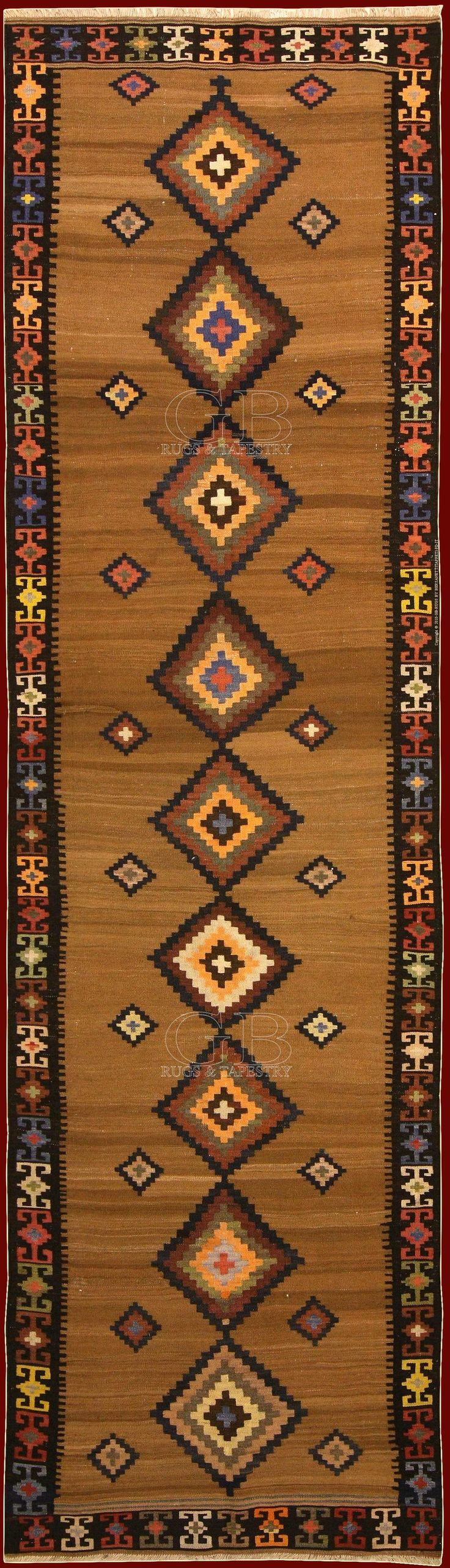"""Saveh Kilim (in persian """"ghelim"""") means """"woven carpet"""" and he differentiates from the knotted rugs because he is flat and without pile, in fact it is formed from threads of weft (horizontal threads) made to pass on alternate threads of warp (visible parallel longitudinal threads only in the fringe). www.gb-rugs.com/popup.php?img=big_b000000063.jpg"""
