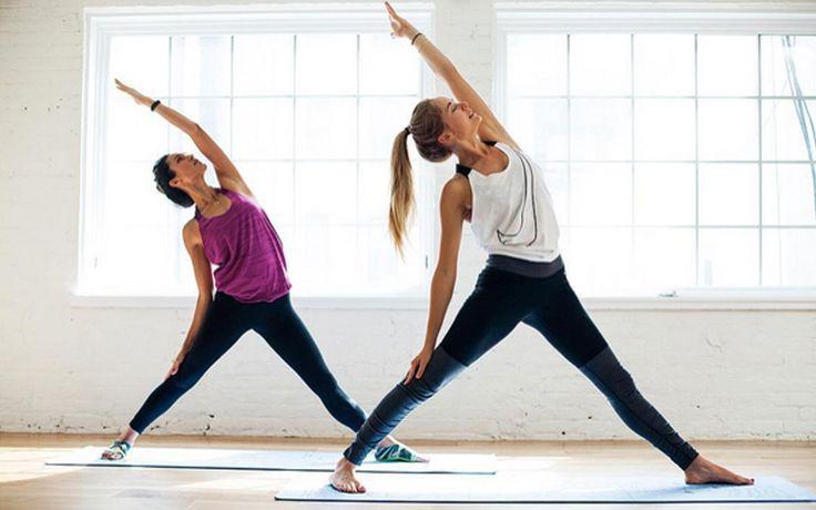 Trainieren zu Hause mit Fitness Youtubern
