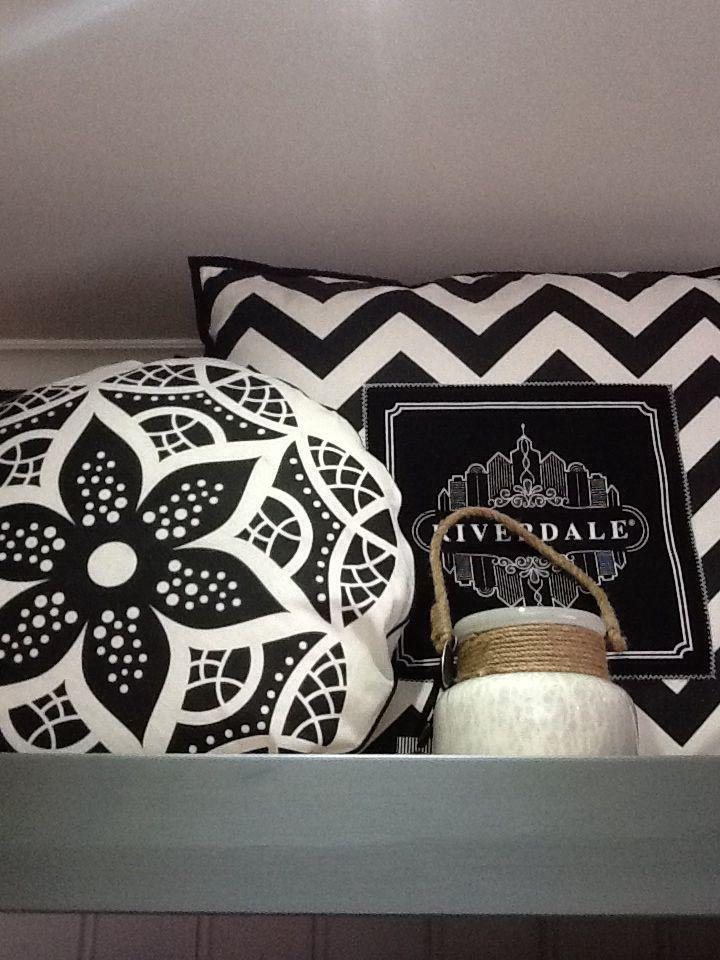 48 best riverdale images on pinterest deko for the home and candle. Black Bedroom Furniture Sets. Home Design Ideas