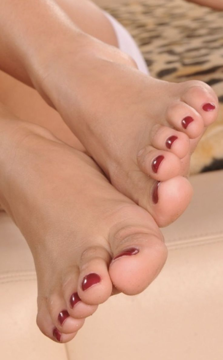 качественные фото женских пальчиков ног можно