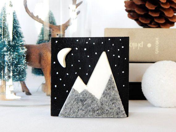 Verschneiten Miniaturmalerei. Grauen Berg Kunst.  von DecorAsylum